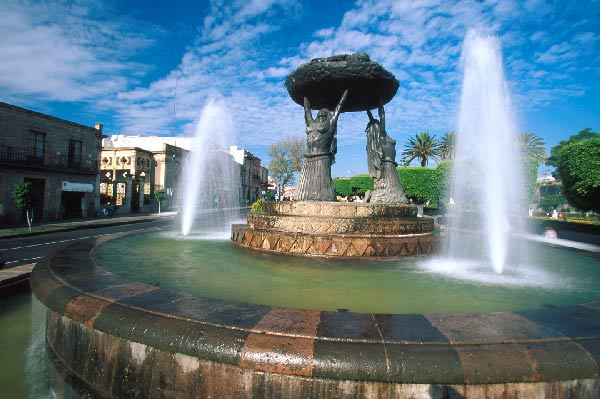 """Tarascas Fountain in Morelia"""